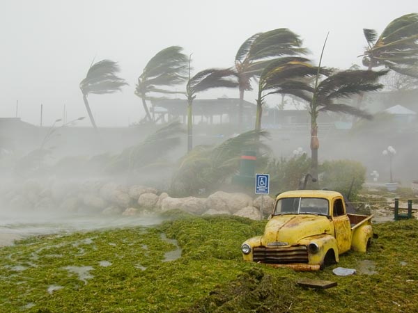 estimating-hurricane-wind-speed-with-gps_69442_600x450
